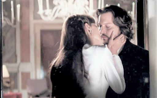 angelina jolie reportedly complained about johnny depps breath during kissing scenes for the tourist
